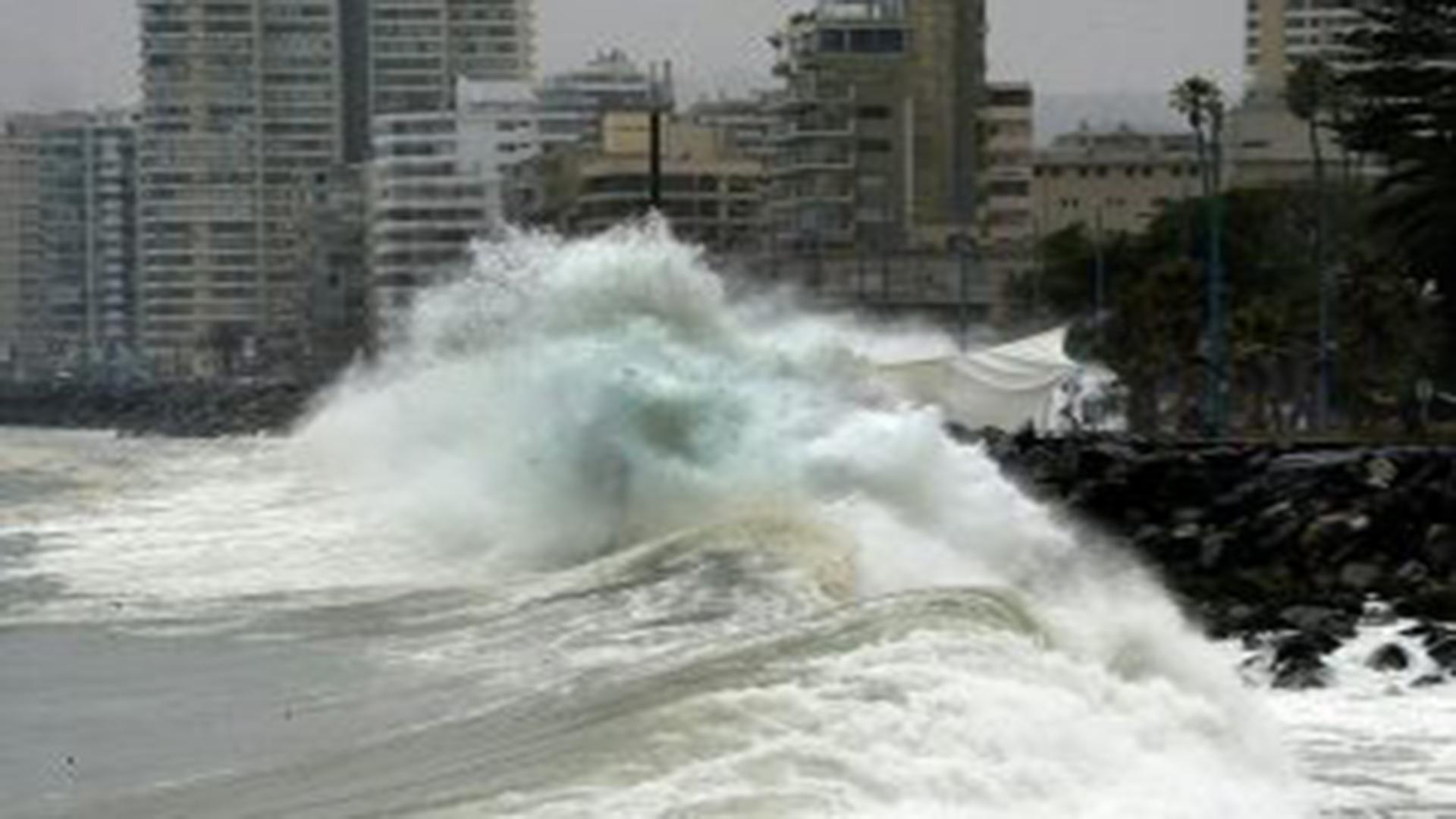 Armada anuncia marejadas desde Arica al Golfo de Penas y Juan Fernández