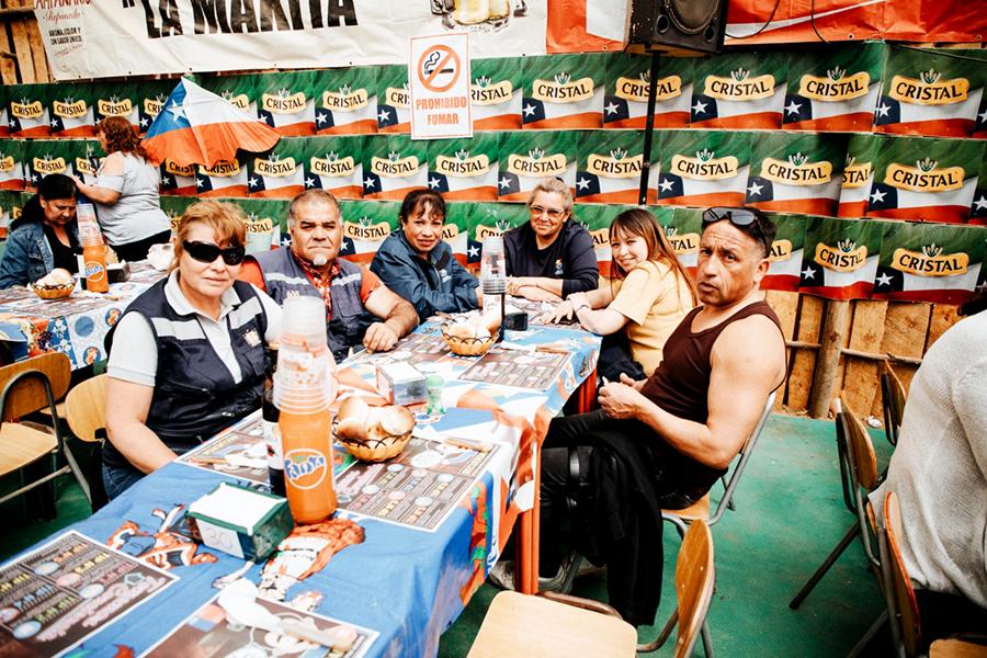 Con un almuerzo, fonderos y trabajadores del aseo culminan semana de fiestas patrias