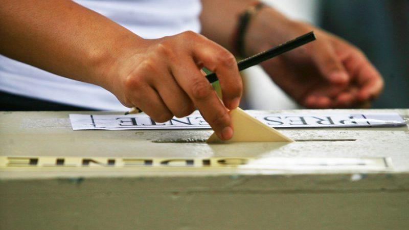 A ley reforma constitucional que permite que elecciones de abril se realicen en dos días