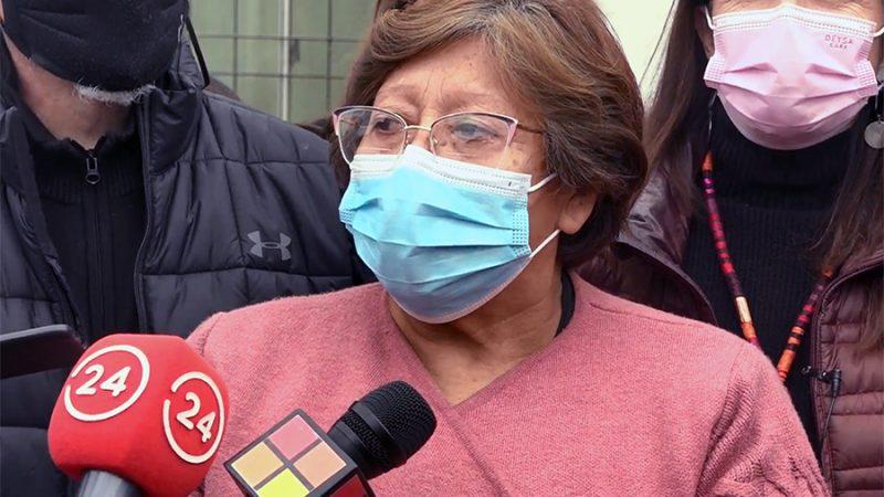 CAMPAMENTO MANUEL BUSTOS LLORA A SU LIDER  MARÍA MEDINA